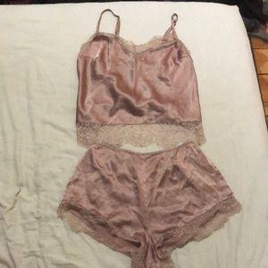 Selling this ensemble, Victoria Secret barely worn